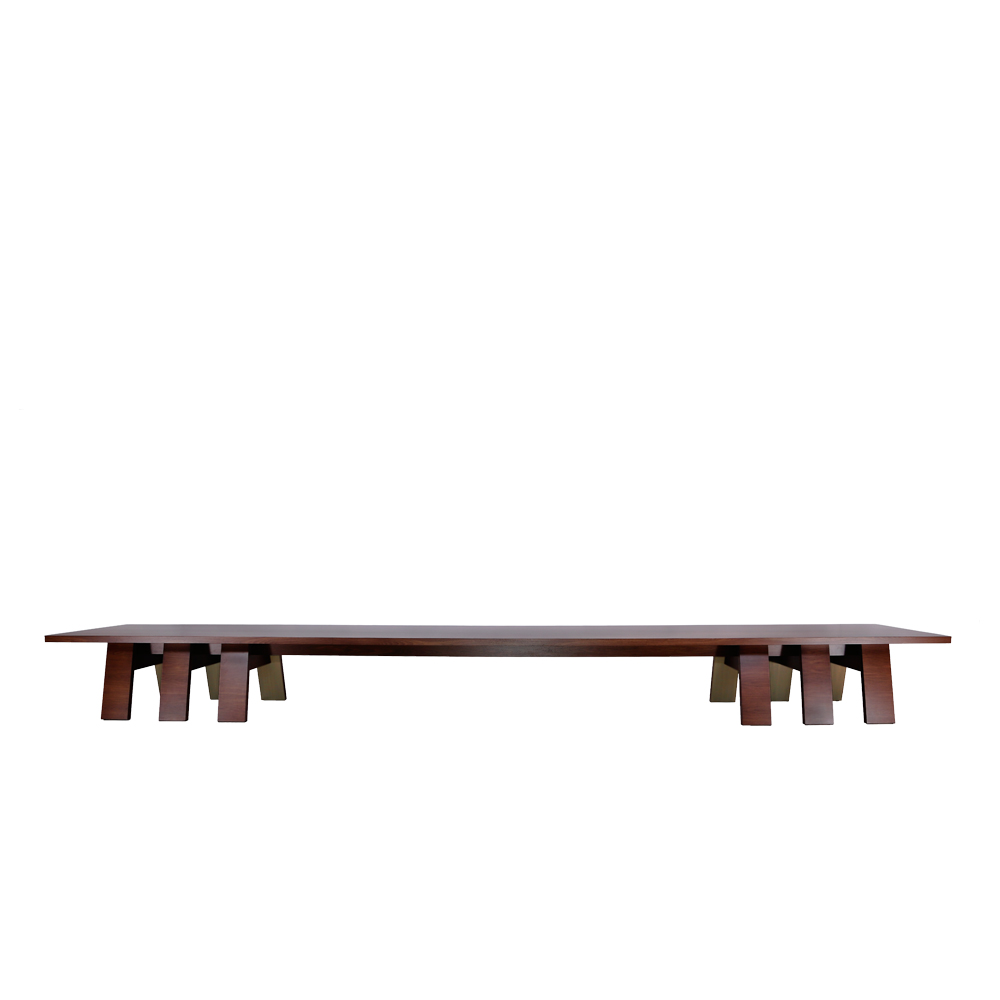 C45 THE ALTAR DINING TABLE 01
